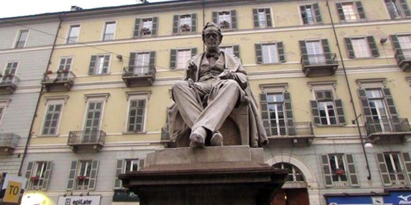 Piazza Pietro Paleocapa Torino